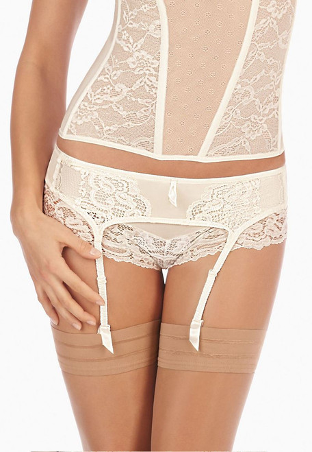TRIUMPH BEAUTIFUL SPOTLIGHT S SUSPENDER BELT