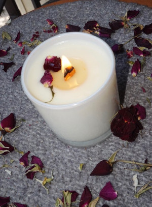 Rose Candle | Plain Candle with Rose Petals