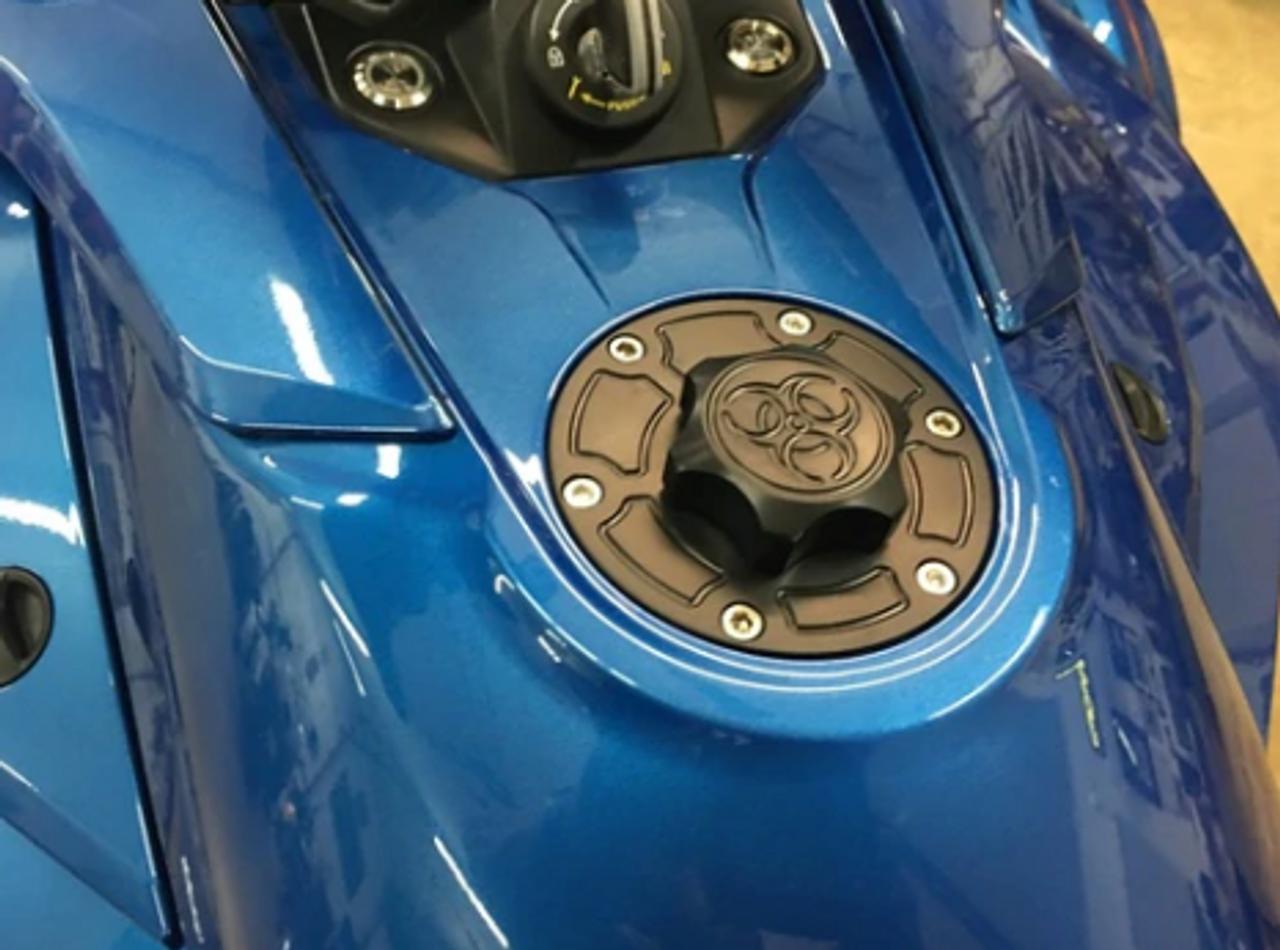 Lamonster IPS F3 Keyless Fuel Cap Assembly (LG-1095B) Fits all Can-Am Spyder F3 Models. F3, F3-S, F3-T, F3-LTD Finish: Black