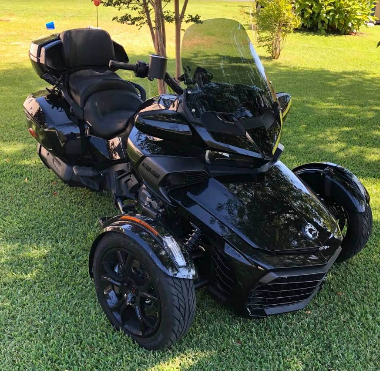 """19"""" Windshield, F3-T and F3-LTD (Medium Tint)(LGA-4007-19M)  by Freedom Shields Shown on a customer's bike!! Dennis"""