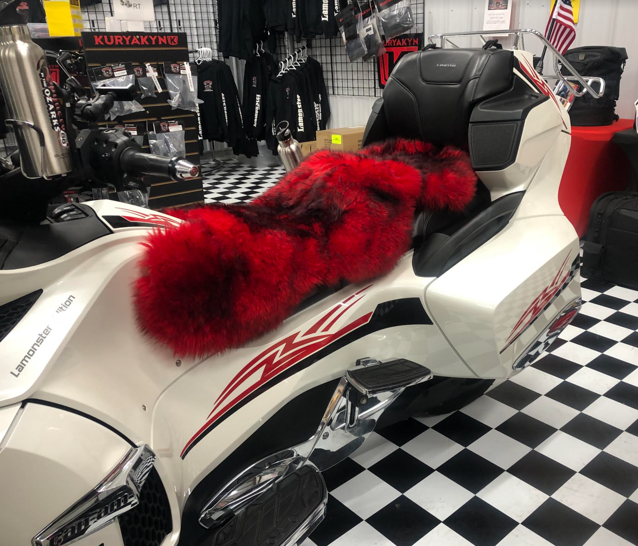 Misty Mountain Sheepskin Seat Cover (Full Seat Cover) (2010 - 2019 RT/RT-S/RT-LTD) (MM-4402-R-BLK) (RED with BLACK tips)  Shown on a 2014 Can Am Spyder RT-LTD