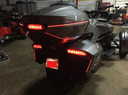 Can-Am Spyder F3T & F3-LIMITED (BRT) BRAKE/RUN/TURN/STROBE REAR LED LIGHT KIT WITH TOP CASE (SPY-229)