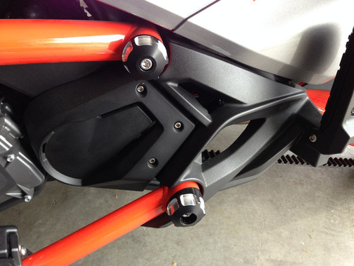 Can Am Spyder F3 IPS frame caps (LG-1017-1018) by Lamonster Kit comes with four frame caps for upper and lower frame on both sides. Fits: F3/F3-S/F3-T/F3-LTD 2015 - Present