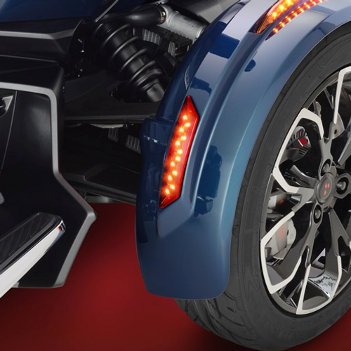 Red LED Rear Front Fender Marker Light On Spyder RT (Lights On)