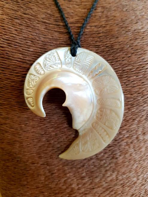 Lapita Shell Pendant BRPS341