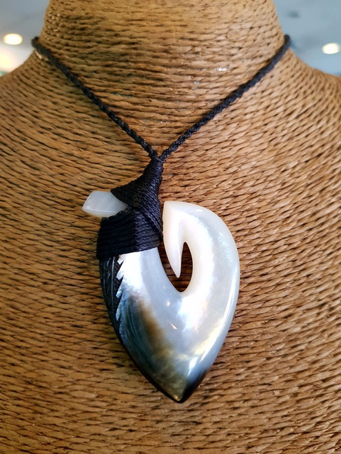 Pearl Shell Gill Pendant BRPS388