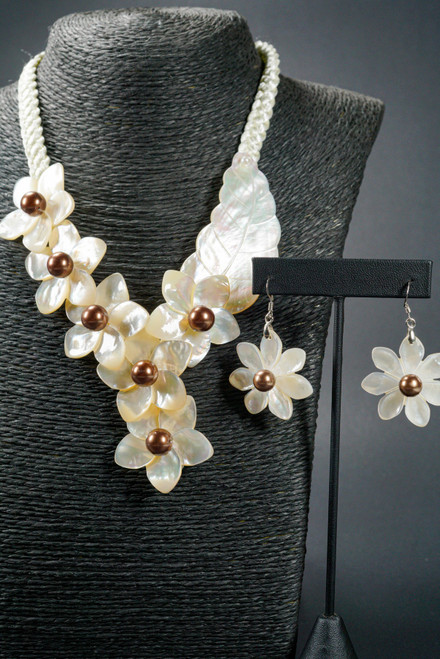 WEBJN15 WHITE SHELL TIARE WITH MOP PEARL SET