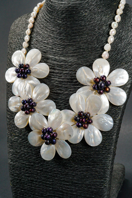 WEBJN44 PEARL SHELL NECKLACE