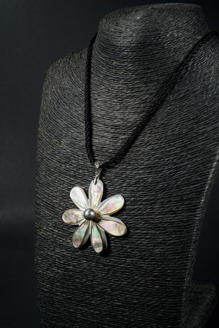 WEBJN80 TIARE FLOWER SHELL WITH PEARL PENDANT