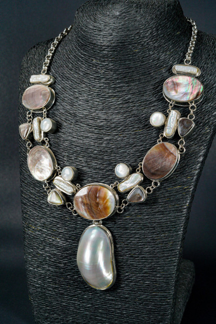 WEBJN115 MAPE PEARL WITH MOP SHELL NECKLACE