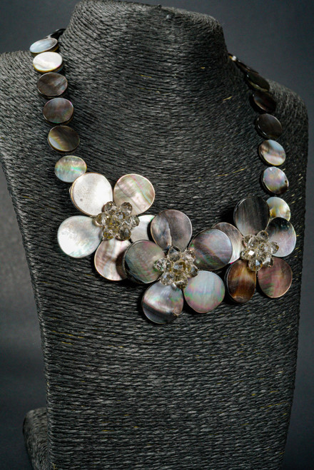 WEBJN117 CRYSTAL MOP SHELL NECKLACE