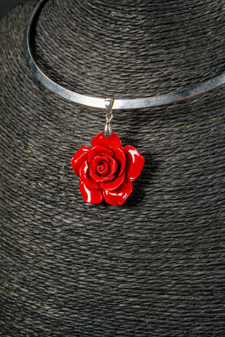 WEBJN140 RED CORAL ROSE PENDANT