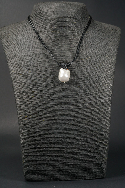 """WEBJP100 WHITE BAROQUE PEARL LEATHER NECK 18"""""""