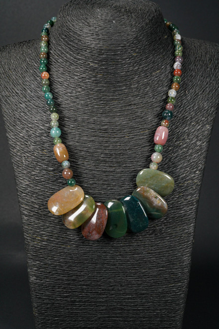 WEBJC15 GREEN STONE NECKLACE