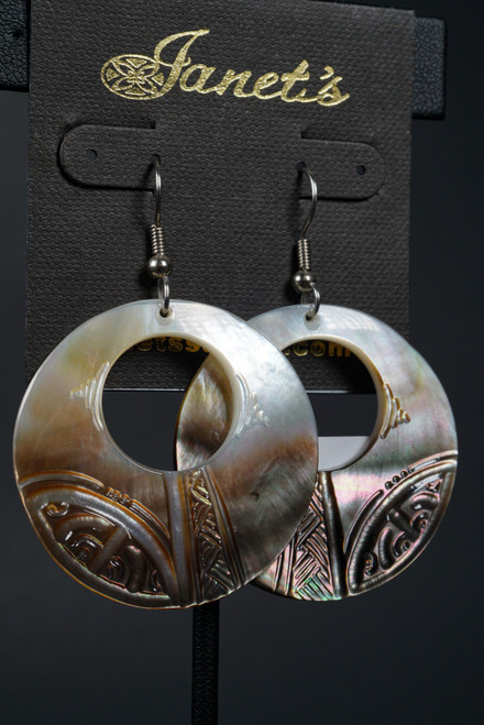 WEBJEB14 CARVED SHELL EARRING