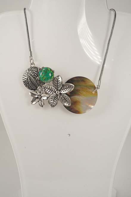 OCEAN NECKLACE SHELL/FLOWER