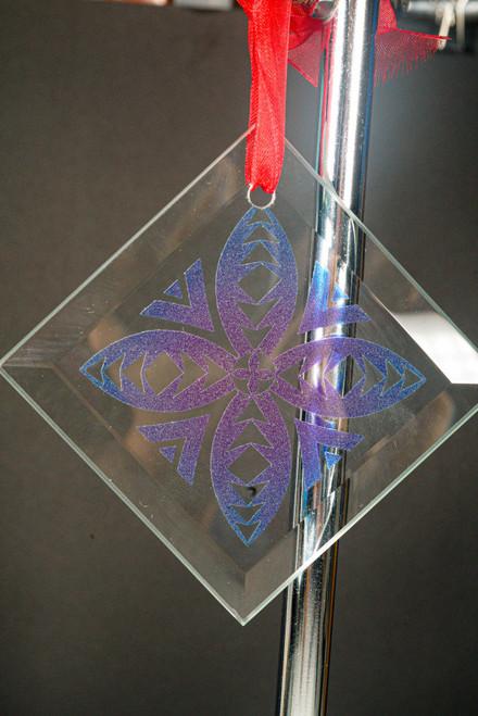 GLASS ORNAMENT TAPA FLOWER AQ