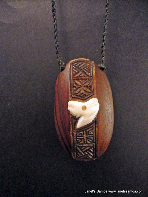Pacific Wood Pendant BRPWD18