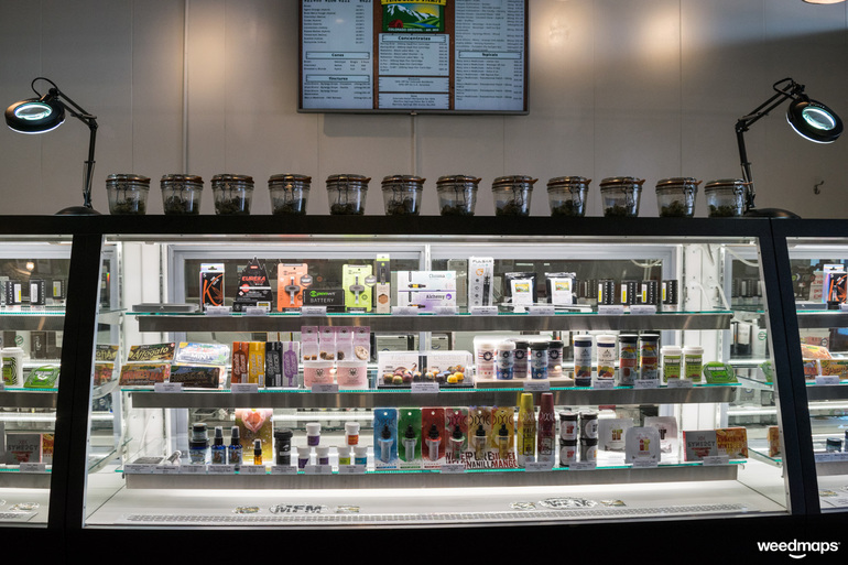 refrigerated marijuana oils & concnetrates display cases
