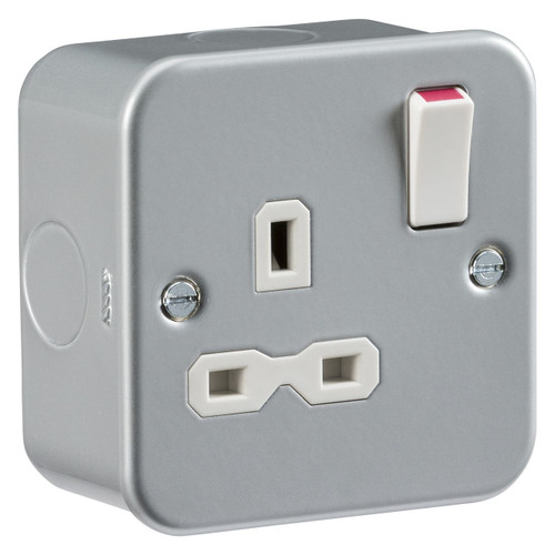Metal Clad 13A 1G DP Switched Socket (DFL1MR7000)
