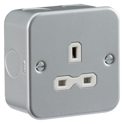 Metal clad 13A 1G Unswitched Socket (DFL1MR7000U)