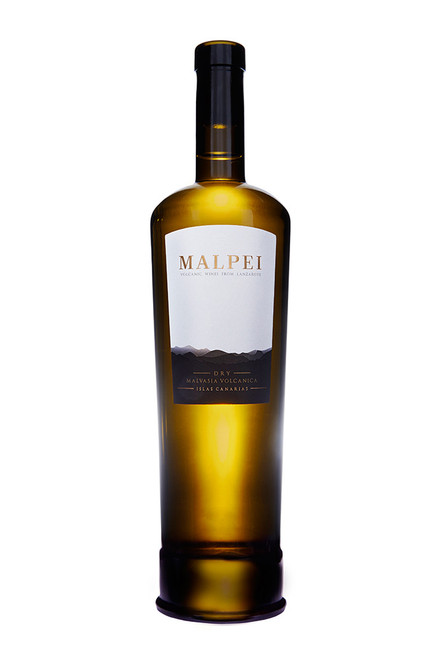 Among the young wine selection, a fresh and lively wine. Elegant as well.Hay yellow with green aspects, clean and bright. The fresh varietal aromas are dominated by tropical fruits, mango & papaya. A fresh, pleasant, long and fine finish