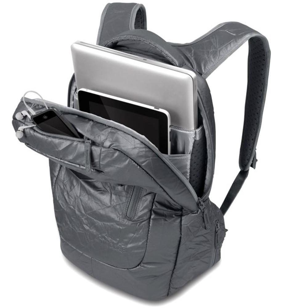 http://d3d71ba2asa5oz.cloudfront.net/12015324/images/cl55345-incase-alloy-backpack-5__14207.jpg