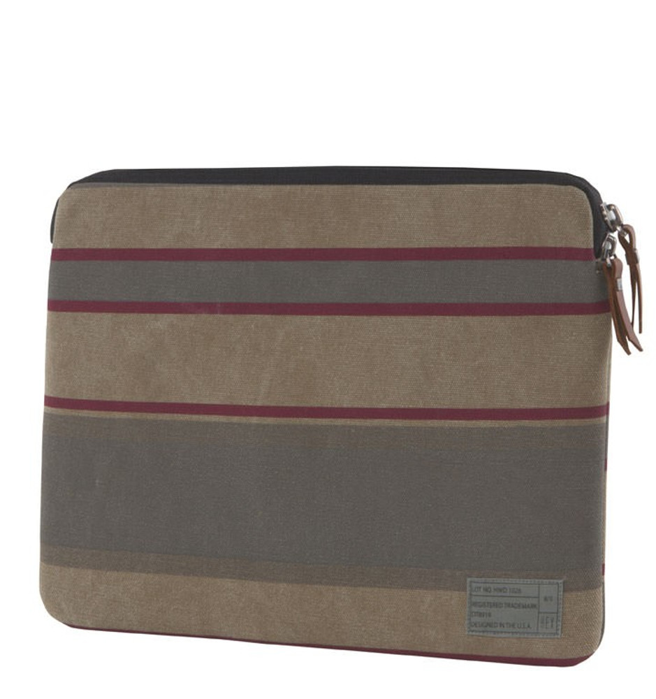 http://d3d71ba2asa5oz.cloudfront.net/12015324/images/11in_laptop_sleeve_front__32096.jpg