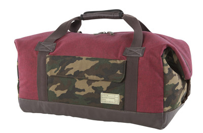 http://d3d71ba2asa5oz.cloudfront.net/12015324/images/relay_duffel__red_camo.jpg