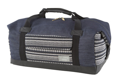 http://d3d71ba2asa5oz.cloudfront.net/12015324/images/relay_duffel__denim_stripe.jpg