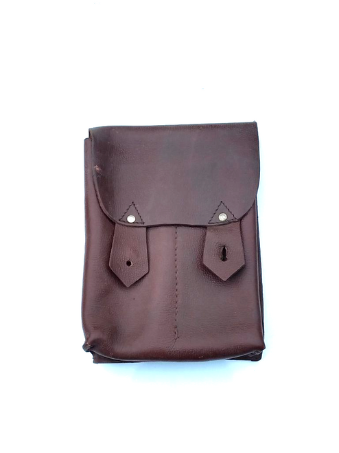 Romanian 4 cell leather pouch