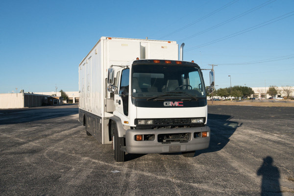 1997 GMC T6500 34' Gerling Production Truck