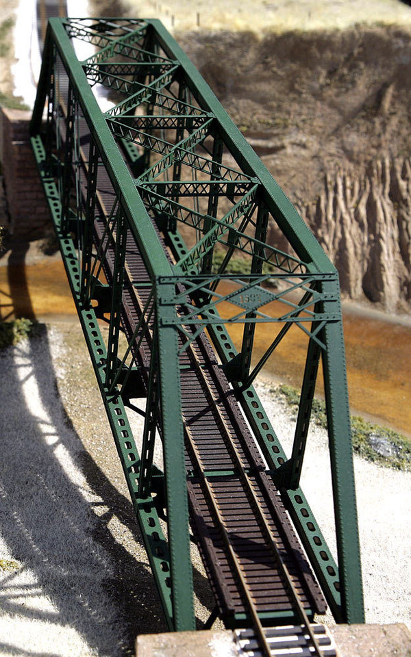 CENTRAL VALLEY 1905 HO 150' Truss Bridge kit Punchplate Girders