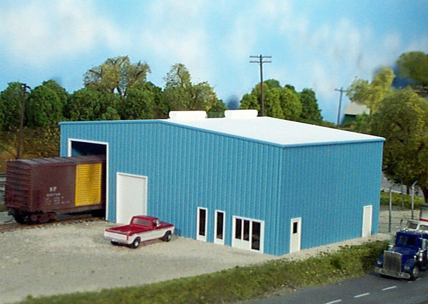 Pikestuff 10 HO scale Distribution Center (kit)