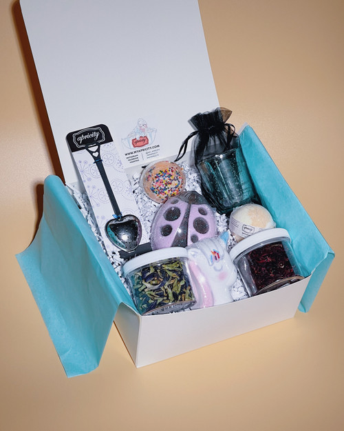 BUILD YOUR OWN | EIGHT ITEMS GIFT SET