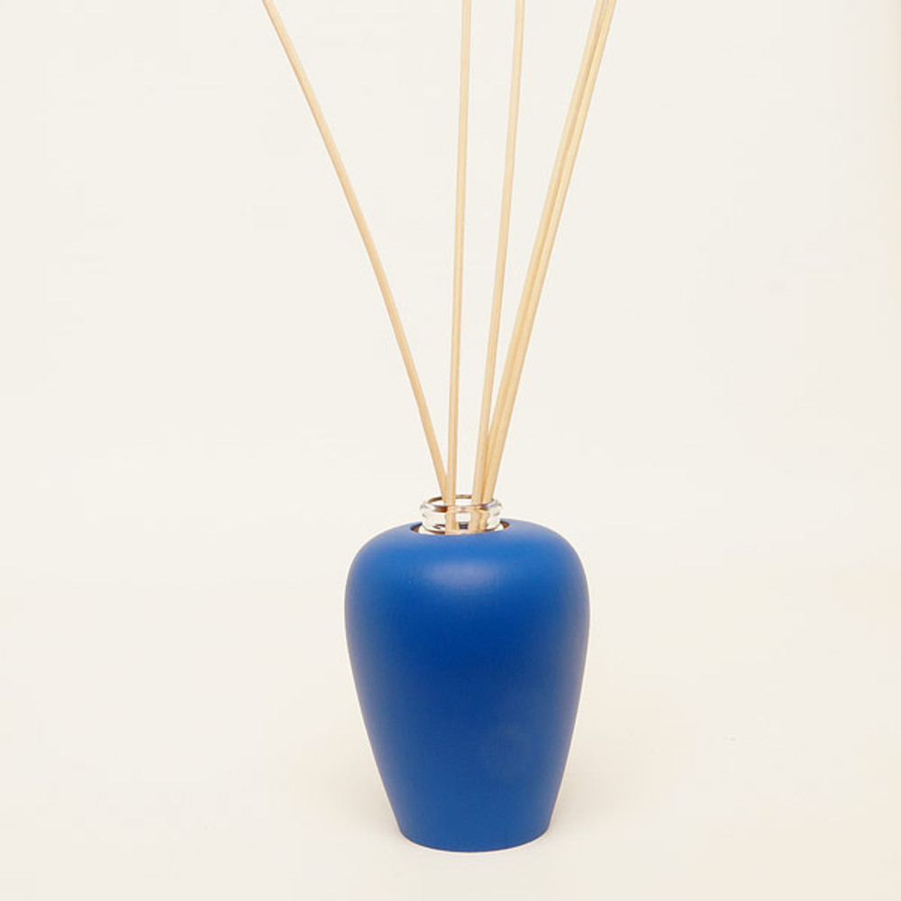 Wooden aromatherapy diffuser: deep blue