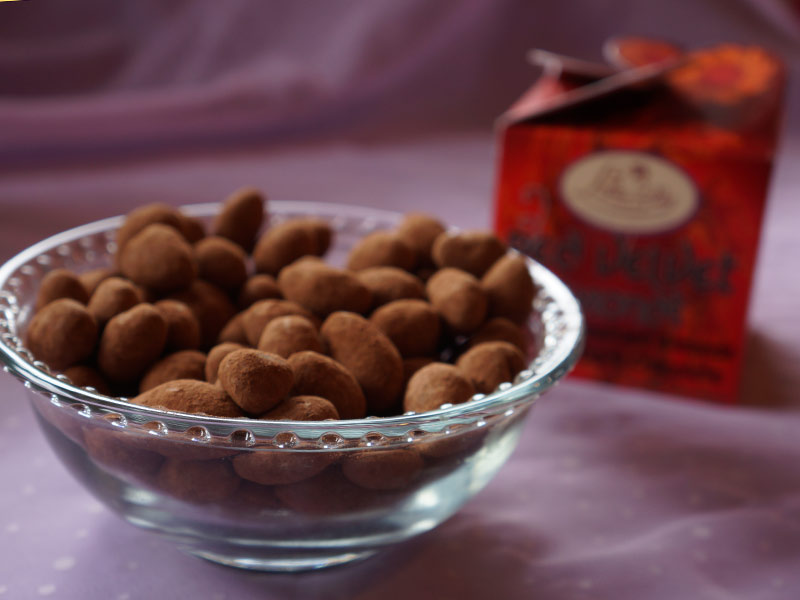 Red Velvet Almonds