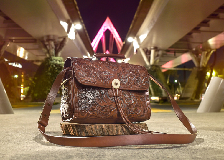 Wichita leather handbag in rich caramel brown