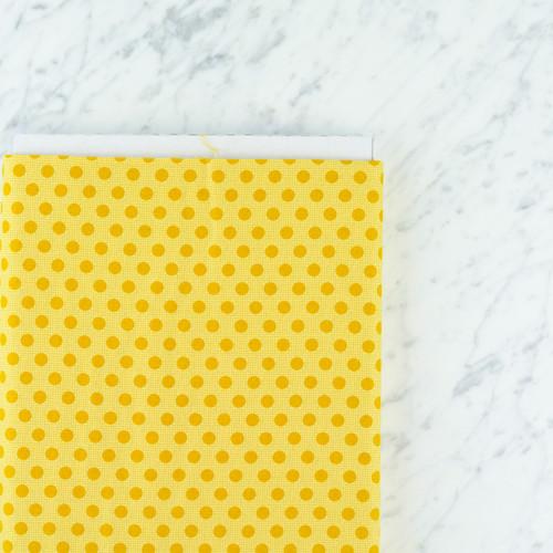 Tilda Basics: Medium Dot in Yellow