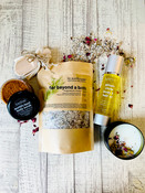 Spa Gift Set With Hand-Poured Botanical Soy Candle