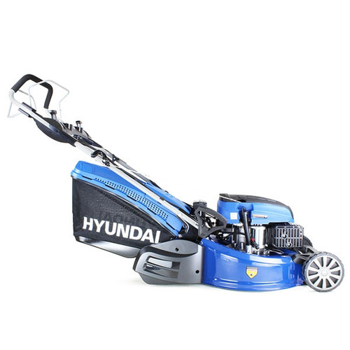 3.6kW Hyundai OHV 4-stroke 196cc Euro 5 engine, providing easy starting with low fuel consumption. Electric push button start with recoil backup.