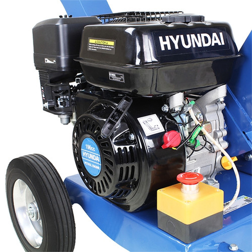Hyundai's HYCH6560 woodchipper is compact and lightweight, with a 196cc / 6.5hp 4-stroke IC200 Hyundai engine. The HYCH6560 is capable of efficiently and effectively chipping / shredding wood, twigs, trimmings, and branches. This yard chipper/shredder effortlessly turns large quantities of garden debris into compostable material.