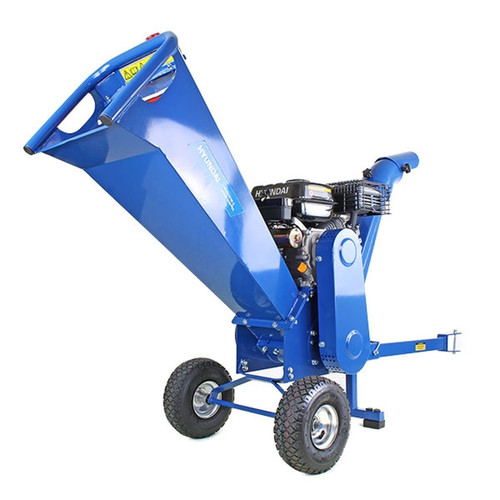 Branch Diameter: Up to 70mm The garden shredder is powered by a powerful but efficient Hyundai engine, and the huge hopper mouth allows the chipper to easily handle tree branches up to 70mm in diameter, resulting in excellent wood chips for the garden.