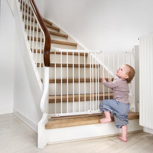BabyDan Flexi Fit Metal Stair Gate - White (67-105.5 cm)