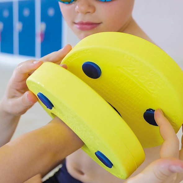 Zoggs Kids' Lightweight and Comfortable Foam Float Discs application