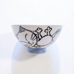 fair trade hand painted ceramic kitty cat noodle bowl from Japan