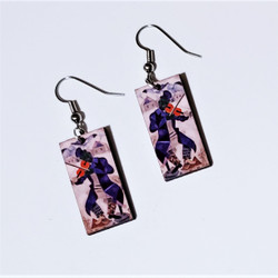 Fair Trade Eucalyptus Wood Dangle Earring with Green Violinist by Marc Chagall from Guatemala