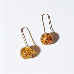 fair trade eco-resin and moss dangle earrings from Colombia