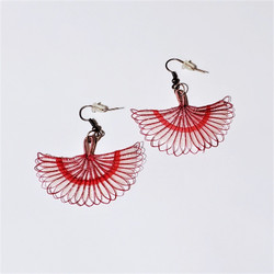 fair trade hand woven crin horsehair dangle earrings from Chile