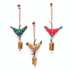 fair trade prosperity hen ornament with bronze chime from India